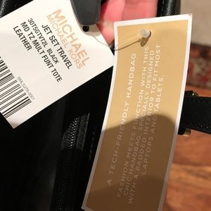 Michael Kors Bags - Michael Kors Jet Setter Tote